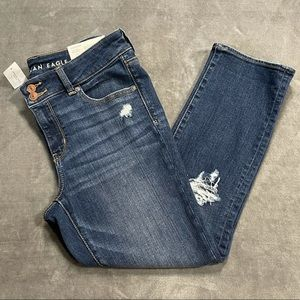 NWT American Eagle Low Rise Artist Crop Jeans!